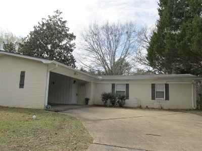 Clinton Single Family Home For Sale: 1306 Post Rd