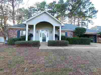 Ridgeland Single Family Home For Sale: 307 Maplewood Pl