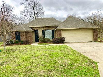 Rankin County Single Family Home For Sale: 551 Oak Park Cir