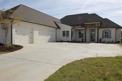 Flowood Single Family Home For Sale: 1001 Sapphire Xing