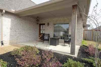 Brandon Single Family Home For Sale: 37 Savannah Cir