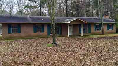 Lena MS Single Family Home Contingent/Pending: $119,000