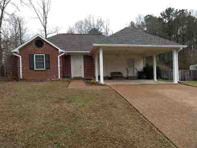 Rankin County Single Family Home Contingent/Pending: 424 Brenmar St