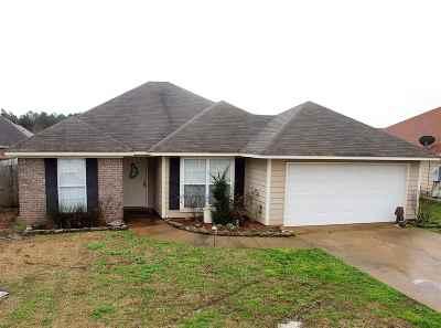 Pearl Single Family Home Contingent/Pending: 316 Cedar Grove Ln