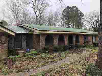 Scott County Single Family Home For Sale: 490 Moore St