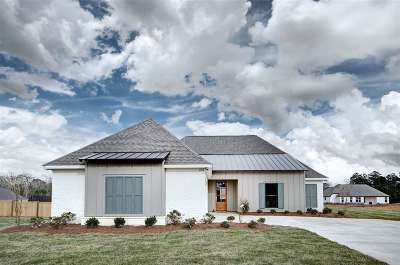 Single Family Home For Sale: 220 Ironwood Pl