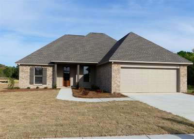 Canton Single Family Home Contingent/Pending: 308 Candlewood Ct