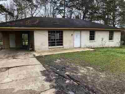 Scott County Single Family Home For Sale: 212 Farris Cir