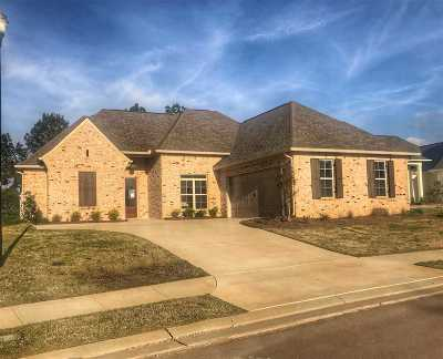 Madison Single Family Home For Sale: 108 Greenway Ln