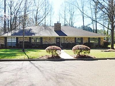 Clinton Single Family Home Contingent/Pending: 212 Longwood Dr