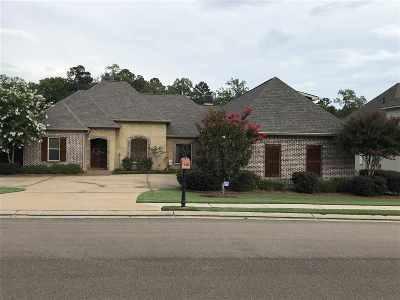 Brandon Single Family Home For Sale: 136 Woodlands Glen Cir