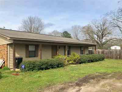 Single Family Home Contingent/Pending: 112 Highpoint Cv
