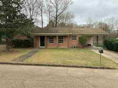 Magee Single Family Home For Sale: 502 NW Kennedy Dr