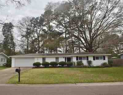 Jackson Single Family Home Contingent/Pending: 117 Southbrook Dr