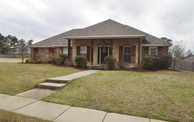 Flowood Single Family Home Contingent/Pending: 107 Britton Cir