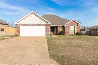 Pearl Single Family Home Contingent/Pending: 108 Beechwood Cir
