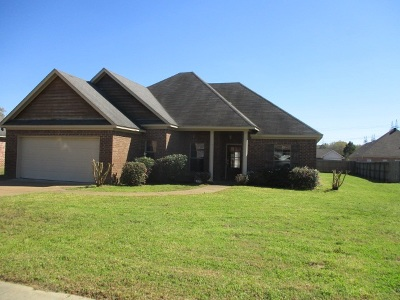 Hinds County Single Family Home For Sale: 105 Dundee Cv