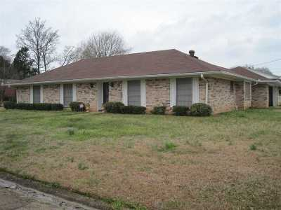 Hinds County Single Family Home Contingent/Pending: 100 Hannah Dr