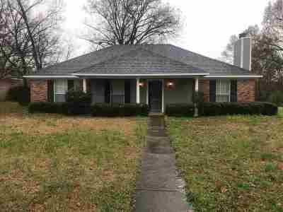 Madison County Single Family Home Contingent/Pending: 147 Azalea Cir