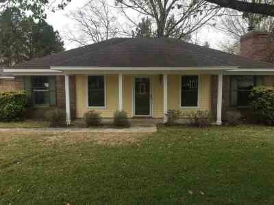 Hinds County Single Family Home For Sale: 302 Riverbend Dr