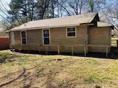 Madison County Single Family Home For Sale: 834 Harris Rd