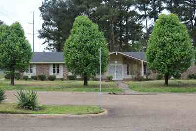 Hinds County Single Family Home For Sale: 105 Pine Bay Dr