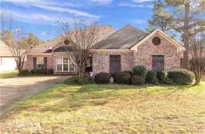 Madison Single Family Home For Sale: 116 Deer Creek Cv