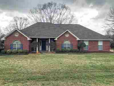 Hinds County Single Family Home Contingent/Pending: 625 Byram Meadows Dr