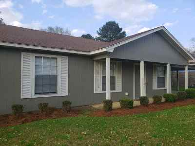 Hinds County Single Family Home For Sale: 102 Meadowview Cir