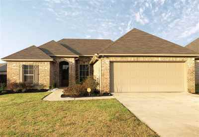 Brandon Single Family Home Contingent/Pending: 452 Greenfield Ridge Cir
