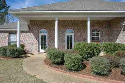 Madison County Single Family Home For Sale: 105 Middlefield Dr