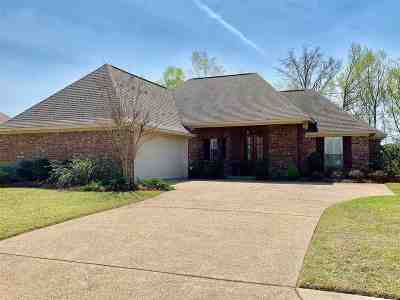 Madison County Single Family Home For Sale: 131 Millhouse Dr