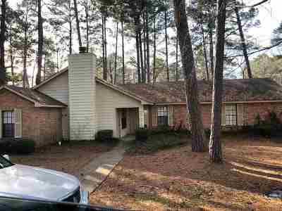 Brandon Single Family Home Contingent/Pending: 118 A Fairfax Cir