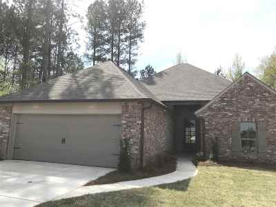 Madison Single Family Home For Sale: 107 St. Croix Ln
