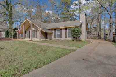 Rankin County Single Family Home For Sale: 105 Forest Point Dr