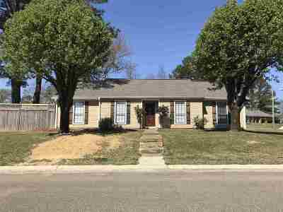 Ridgeland Single Family Home Contingent/Pending: 152 McCormack Dr