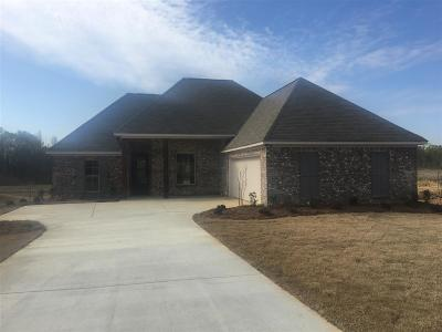 Madison Single Family Home Contingent/Pending: 186 Falls Crossing