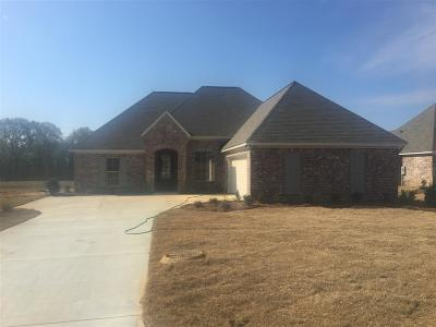 Madison Single Family Home Contingent/Pending: 184 Falls Crossing