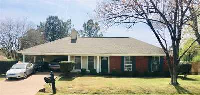 Byram Single Family Home Contingent/Pending: 4019 Glenn Oak Dr