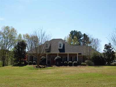 Canton Single Family Home For Sale: 111 Meadow Hills Dr