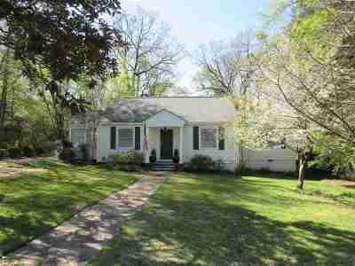 Clinton Single Family Home Contingent/Pending: 502 Oakwood Dr