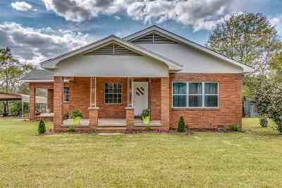 Smith County Single Family Home For Sale: 320 Magnolia Dr