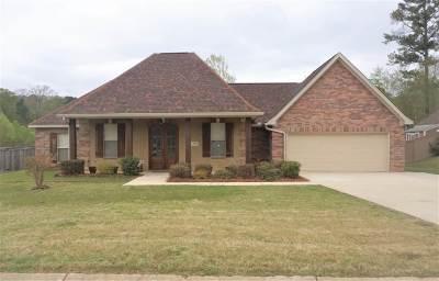 Brandon Single Family Home Contingent/Pending: 138 Glen Arbor Ct