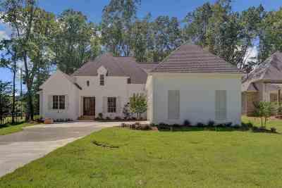 Madison Single Family Home For Sale: 101 Eagle Cv