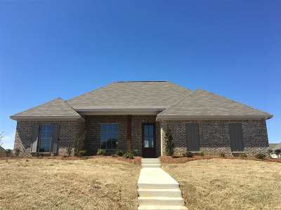 Madison Single Family Home For Sale: 173 Falls Crossing