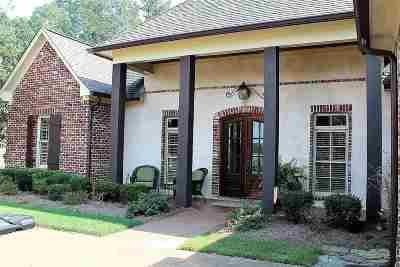 Madison Single Family Home Contingent/Pending: 136 Novara Trl