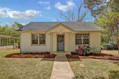 Single Family Home For Sale: 301 Tamberline St