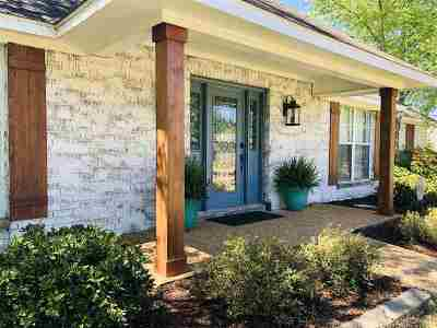 Brandon Single Family Home For Sale: 448 Abbey Woods
