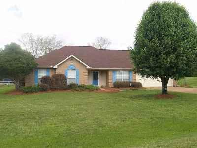 Byram Single Family Home Contingent/Pending: 606 Byram Meadows Dr
