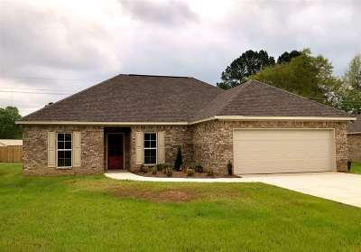 Carthage MS Single Family Home For Sale: $178,800